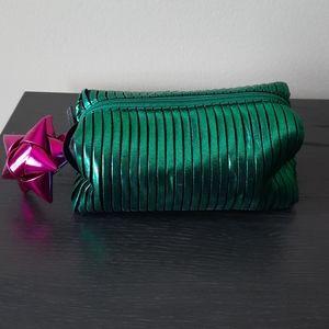 M.A.C Makeup Bag 💋